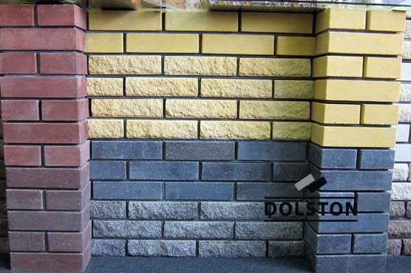 Рваный кирпич (ярко-желтый), фото кирпича в офисе продаж