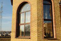 Фото эркера из рваного кирпича, скала кирпич облицовочный ЖЕЛТО-ЗЕЛЕНЫЙ