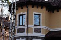 Фото эркера  из облицовочной плитки под кирпич, плитка под фасадный кирпич ГОРЬКИЙ ШОКОЛАД