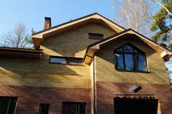 Фото дома из облицовочного кирпича гладкий кирпич облицовочный МОЛОЧНЫЙ ШОКОЛАД