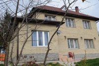 Фото дома из рваного кирпича, скала кирпич облицовочный ЖЕЛТО-СЕРЫЙ