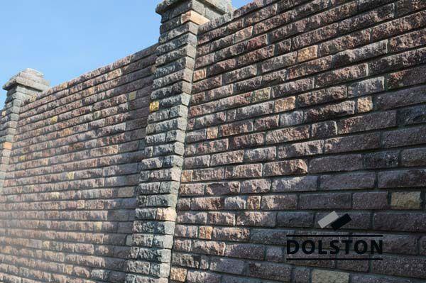 Фото сплошного забора из кирпичного камня скала камень лицевой КАЛЕЙДОСКОП