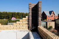 Пример строительства стены с облицовкой рваным кирпичом, скала облицовочный кирпич ГОРЬКИЙ ШОКОЛАД