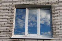 Фото отделки окна рваным кирпичом, скала кирпич облицовочный СЕРЫЙ