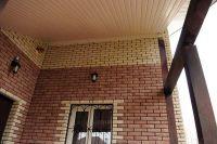 Фото вставок рваного кирпича в кирпичную стену, скала кирпич облицовочный БЕЛЫЙ