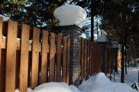 Фото столба из рваного кирпича, скала кирпич облицовочный БУРГУНДСКИЙ