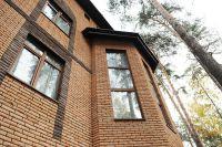 Фото дома из рваного кирпича, скала кирпич облицовочный ПЕРСИК