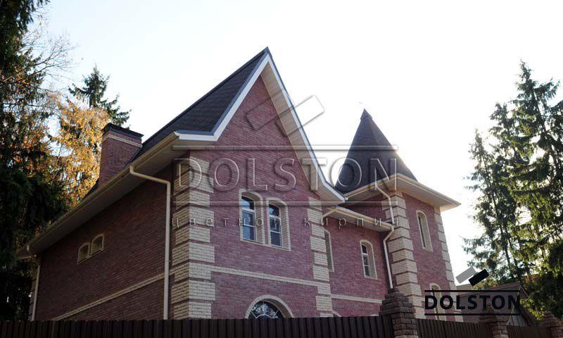 Фото дома из облицовочного кирпича гладкий кирпич облицовочный ВИШНЕВЫЙ