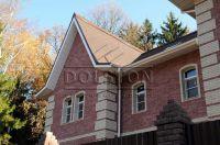 Фото дома из облицовочного кирпича, гладкий кирпич облицовочный ВИШНЕВЫЙ
