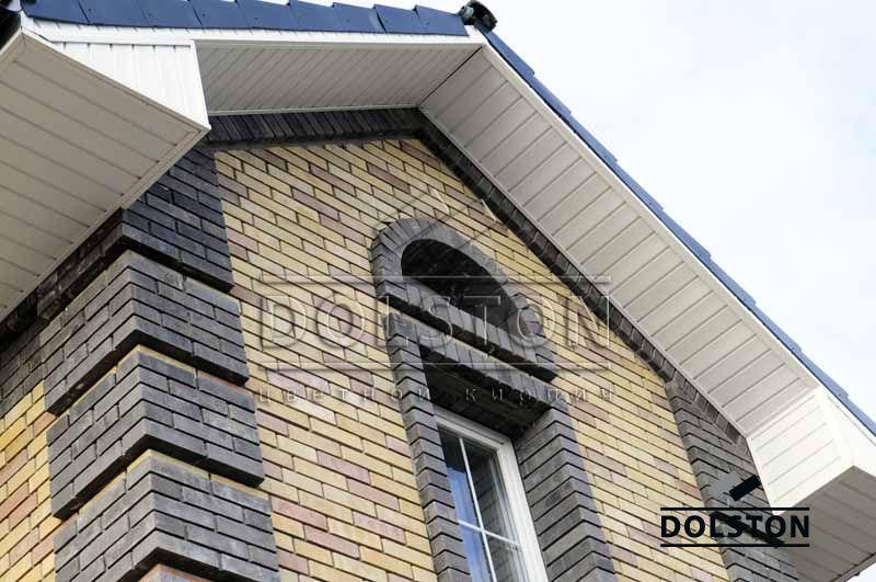 Фасад дома кирпич и штукатурка