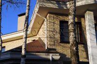 Фото отделки окна рваным кирпичом, скала кирпич облицовочный БЕЖЕВЫЙ