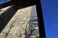 Фото отделки окна кирпичом, баварская кладка кирпича ЖЕЛТО-СЕРЫЙ