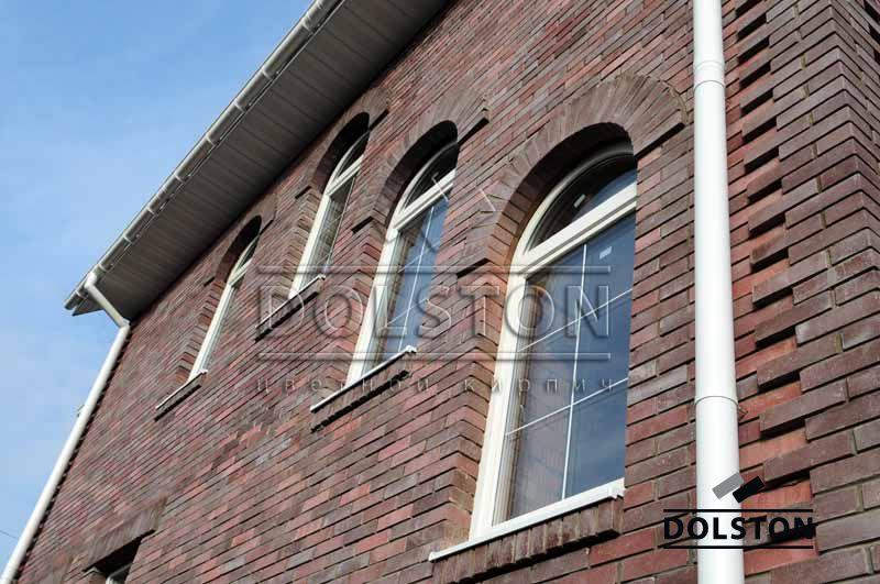 Фото отделки окна гладким кирпичом гладкий облицовочный кирпич ЧЕРНИЧНЫЙ
