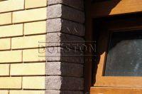 Фото отделки окна рваным кирпичом, скала облицовочный кирпич ГОРЬКИЙ ШОКОЛАД
