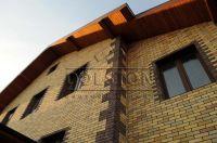 Фото отделки окна рваным кирпичом, скала кирпич облицовочный БУРГУНДСКИЙ