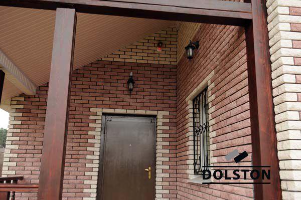 Фото отделки окна камнем из кирпича кирпич облицовочный MOONY ROCK (белый)